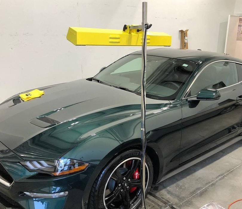 Ford Mustang curing under our Model SRU-1615 medium wave system.