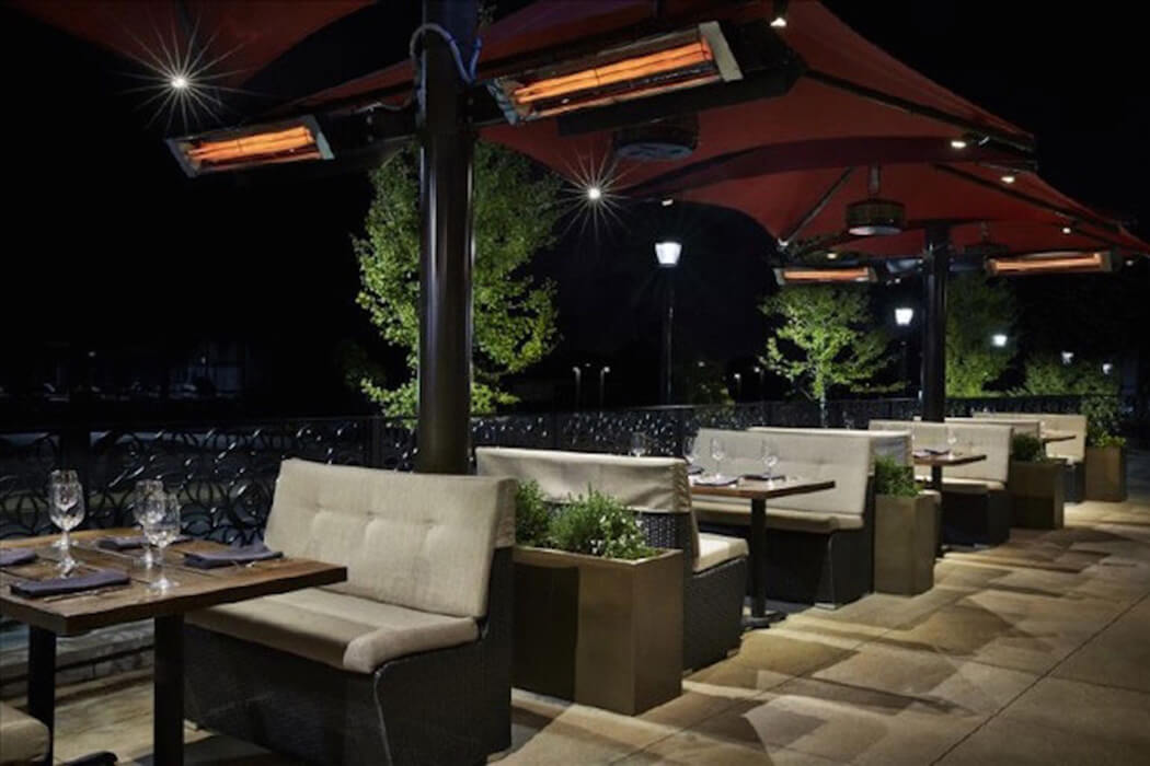 Pole mounted custom Infratech heaters are installed at Del Frisco's Grille in North Bethesda, MD to provide guests with the ultimate outdoor dining experience.