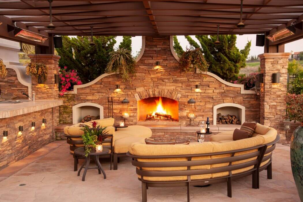 Los Angeles patio featuring two wall mounted W-Series single element heaters.